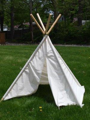 Детский шалаш можно построить на дачном участке