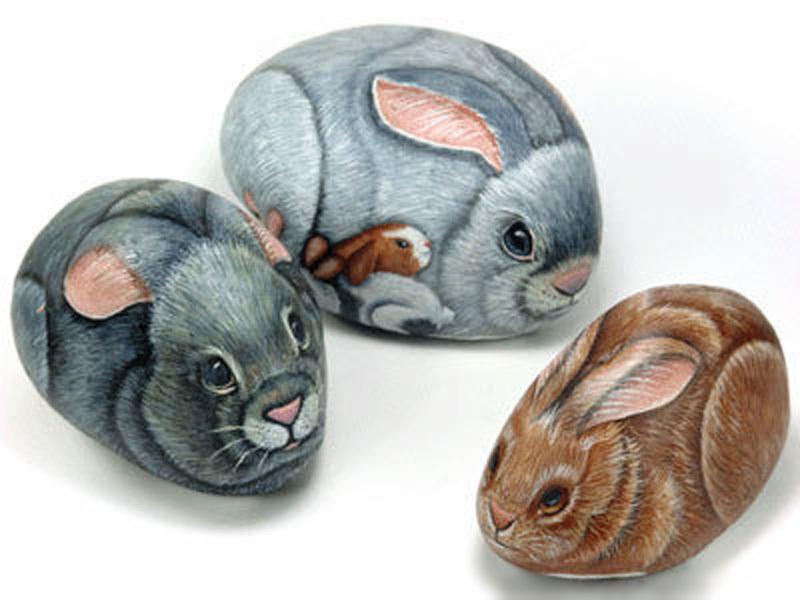 Рисуем кроликов на камнях