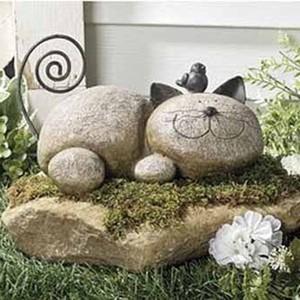 Котяра из лежачего камня в саду