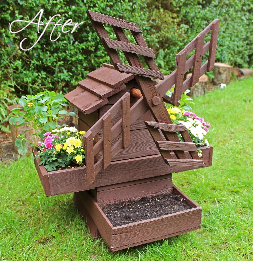 Декоративная мельница для сада своими руками фото