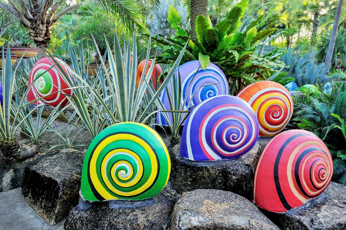 Декоры своими руками в саду 301