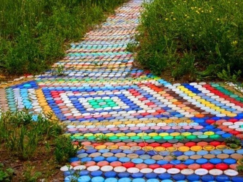 Дорожка из пробок пластиковых бутылок своими руками