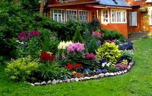 как сделать цветник клумбы возле дома и вдоль забора как оформить