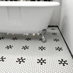 Белая мозаика в ванной: фото, виды, особенности монтажа
