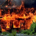 Защита загородного дома от пожара: опасность, материалы, рекомендации
