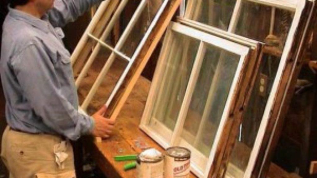 Чем покрасить окна на даче