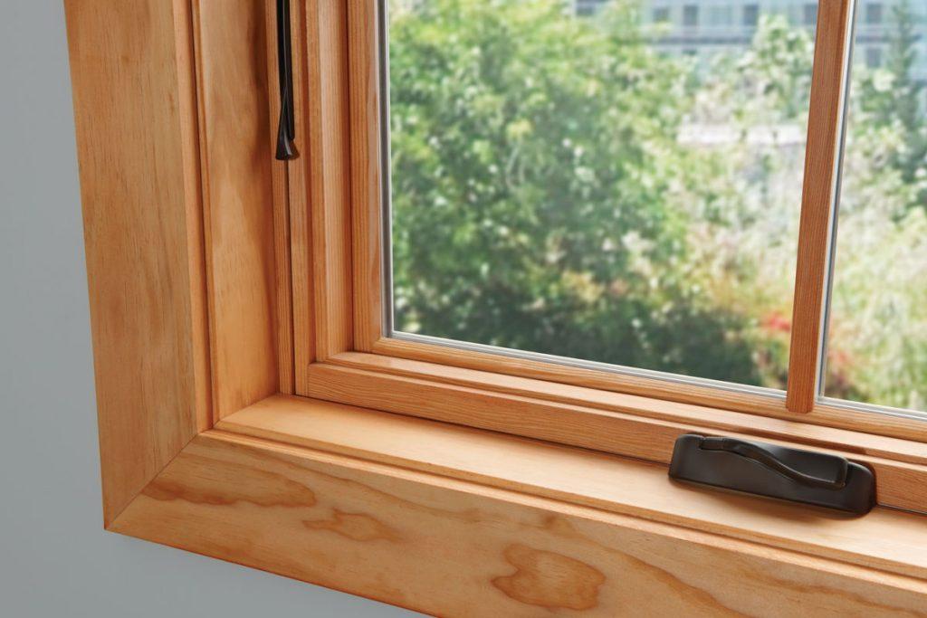 Выбор оконных изделий: деревянные окна и их преимущества