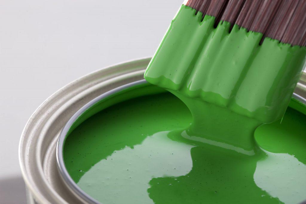 Водоэмульсионная краска: основные виды и особые свойства составов