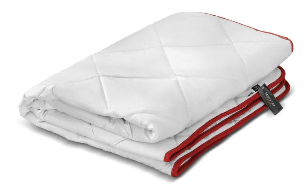 Как правильно стирать одеяло